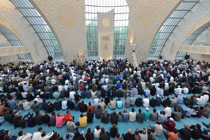 Photo of İslam'ı Almanya'da kim vaaz ediyor?